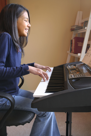Music lessons colombian teen